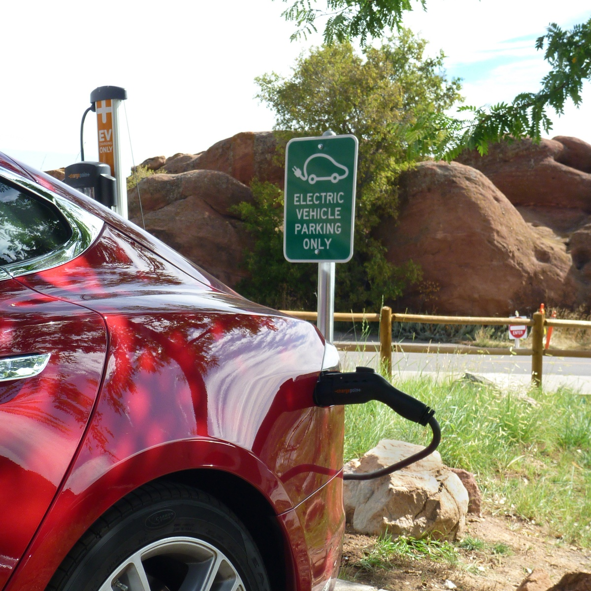 Colorado Adopts Ambitious Electric Vehicle Targets